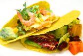 Салат с креветками в мексиканском стиле