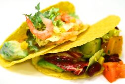 Изображение рецепта Салат с креветками в мексиканском стиле