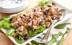 Изображение рецепта Салат из куриной грудки и вишни