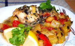 Изображение рецепта Камбала с овощами под чесночно-базиликовым соусом