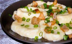Изображение рецепта Полюшки с творогом, зеленым луком и шкварками