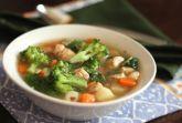 Суп овощной с куриными крылышками
