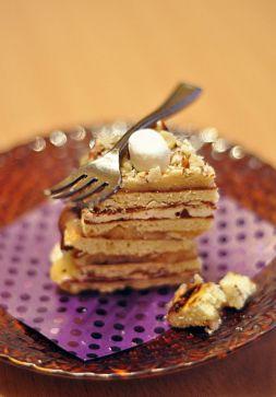 Изображение рецепта ''Жареный'' торт с ирисками, шоколадом и маршмеллоу