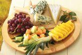Фруктовая сырная тарелка