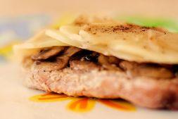 Изображение рецепта Свинина с грибами в фольге