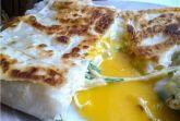Ёка, или лаваш с яйцом и сыром