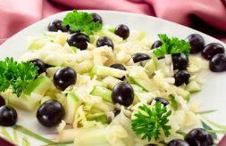 Изображение рецепта Салат с капустой и виноградом