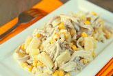 Куриный салат с ананасом и кукурузой