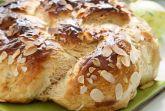 Сдобный хлеб с миндальными лепестками