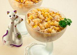 Изображение рецепта Салат с курицей, сыром и сухариками