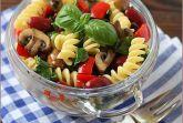 Теплый салат с грибами и фасолью