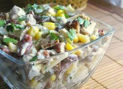 Изображение рецепта Куриный салат с копченым сыром и маринованными огурчиками