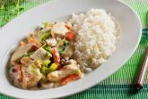 Курица с овощами и сливками