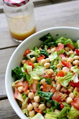 Изображение рецепта Салат из нута с помидорами