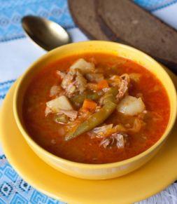 Изображение рецепта Айнтопф с капустой и копчеными ребрышками