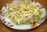Салат с пекинской капустой и мягким сыром