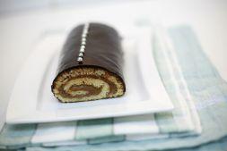 Изображение рецепта Миндальный рулет с шоколадным кремом