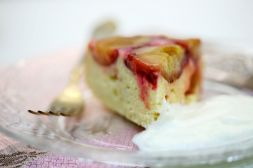 Изображение рецепта Сметанно-бисквитный пирог со сливами