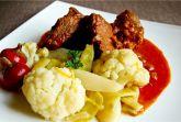 Душенина из говяжьей лопатки с овощами