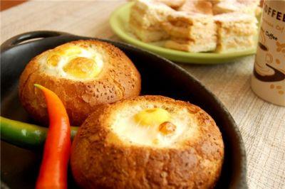 Изображение рецепта ''''Мешочек гнома'', или яичница в булке''