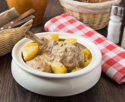 Изображение рецепта Рагу из курицы с картофелем в сметане