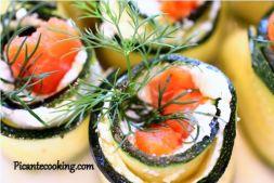 Изображение рецепта Рулетики из цукини с сыром и копченой семгой