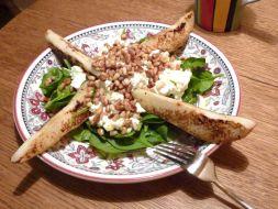 Изображение рецепта Салат с жареными грушами, шпинатом и сыром фета