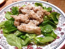 Изображение рецепта Теплый салат с курицей и кунжутом
