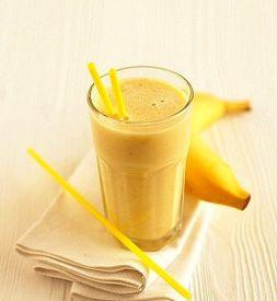 Изображение рецепта Молочный коктейль с бананом и овсяными хлопьями