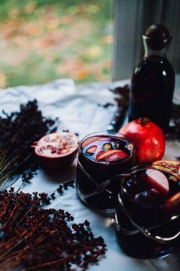 Изображение рецепта Жизнерадостная сангрия с яблоком и гранатом