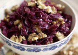 Изображение рецепта Салат из яблок и краснокочанной капусты