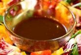 Кисло-сладкая бальзамическая заправка для салата