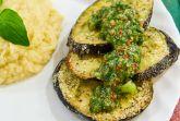 Изображение рецепта «Стейк» из баклажана с зеленой сальсой